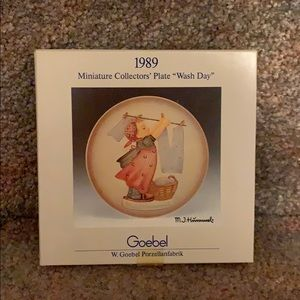 "Goebel Miniature Collectors Plate ""Wash Day"""